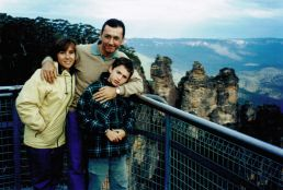 Blue Mountains Family, shot by random stranger