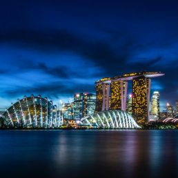 Singapore Travel Guide: night skyline