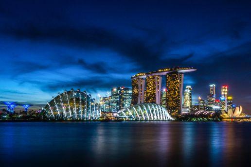 Singapore Travel Guide: night skyline