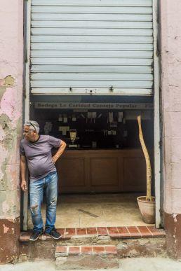 Bodega y señor La Habana Cuba