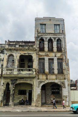 Edificio en ruinas Cuba